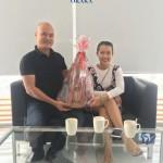 Tham gia nhiệt tình mini game do Quân tổ chức tháng 01-2018 (xem thêm thông tin mini game tại đây), bạn Nguyễn Lý Trân – chủ shop Hoa giấy Yang Be đã có may mắn giành được giải 3. Giải thưởng là một cây đàn ukulele Alulu trị giá 600.000 đồng.